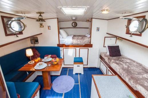 Houseboat 883 Amsterdam photo 2