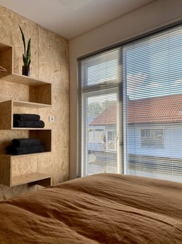 Sleeping area with waterview and closet