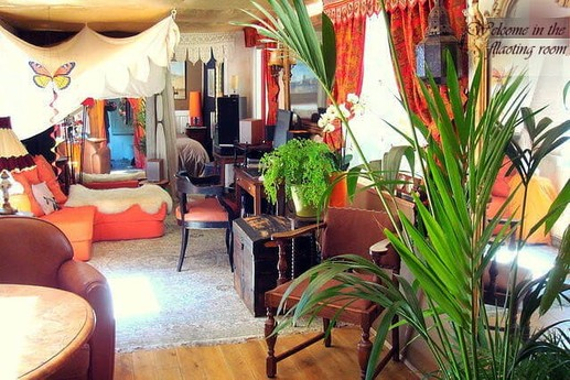 Cozy boudoir à la française
