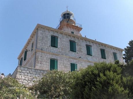 Lighthouse 38 Susac photo 3