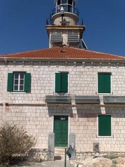 Lighthouse 38 Susac photo 4