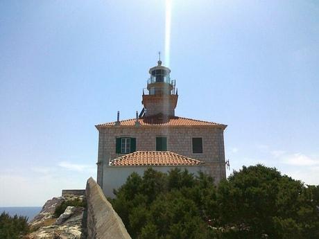 Lighthouse 38 Susac photo 0