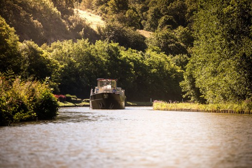 The Grand Victoria cruising on the Burgundy canal