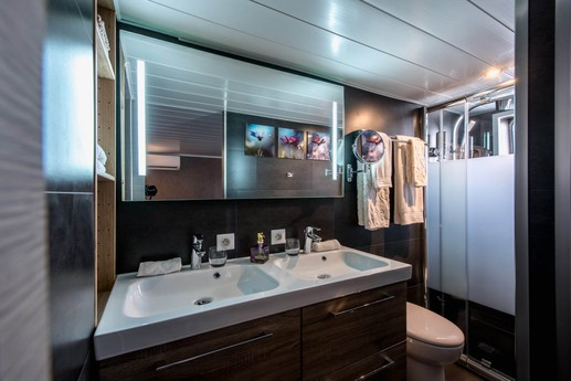 The Grand Victoria ensuite bathrooms with double sinks