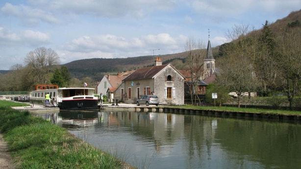 River trip 21 Dijon photo 4