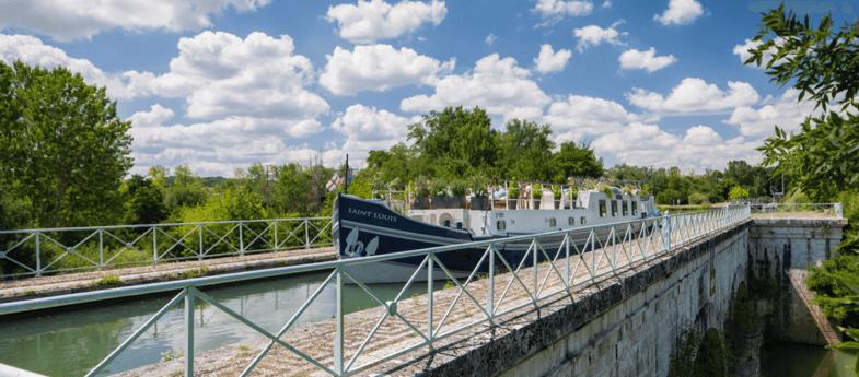 River trip 26 Bordeaux photo 1