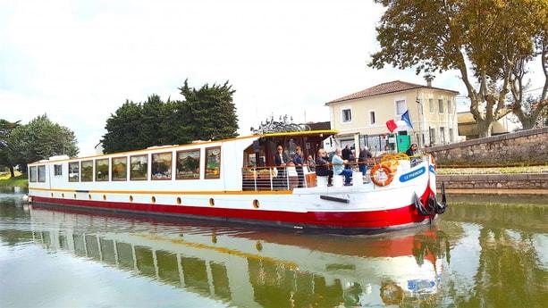 River trip 27 Avignon photo 1