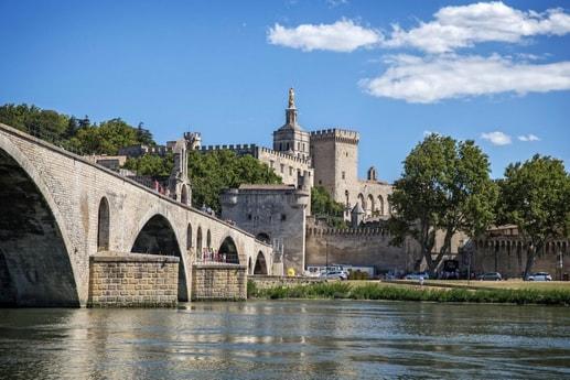 River trip 27 Avignon photo 13