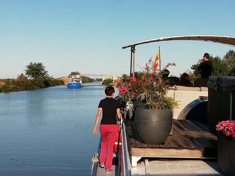 River trip 32 Avignon photo 6