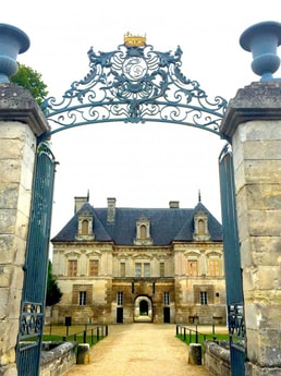 6-night all-inclusive cruise through the hills and villages of Northern Burgundy; enjoy gastronomy and adventure with our full crew at your service - Chateau Tanlay