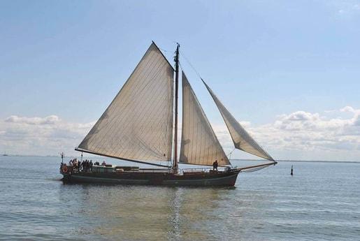 Sailing ship 627 Muiden photo 4