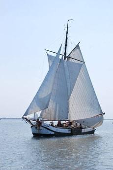 Sailing ship 661 Harlingen photo 0