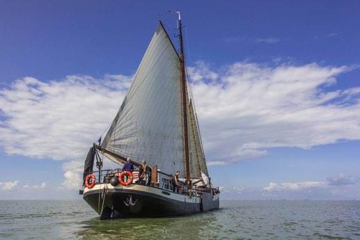 Sailing ship 665 Makkum photo 0