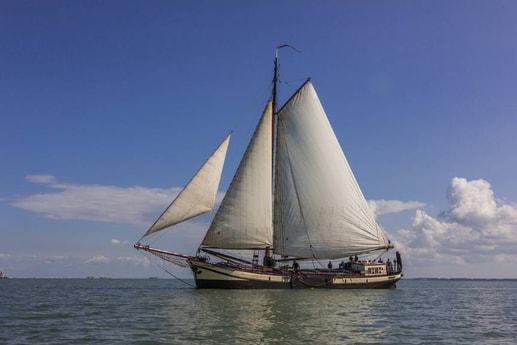 Sailing ship 665 Makkum photo 13