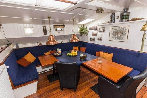 Sailing ship 665 Makkum photo 3