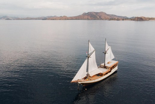 Sailing ship 762 Labuan Bajo photo 9