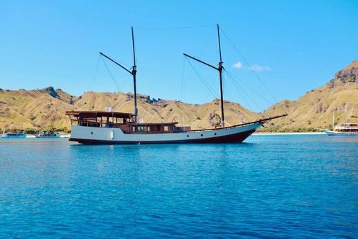 Sailing ship 762 Labuan Bajo photo 4