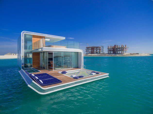 The Floating Seahorse houseboat in her full glory