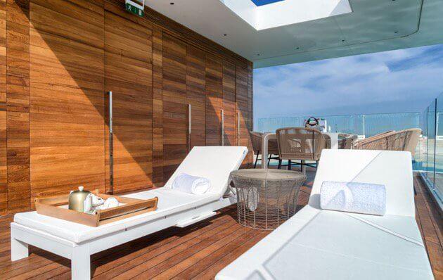 Dubai houseboat sun deck