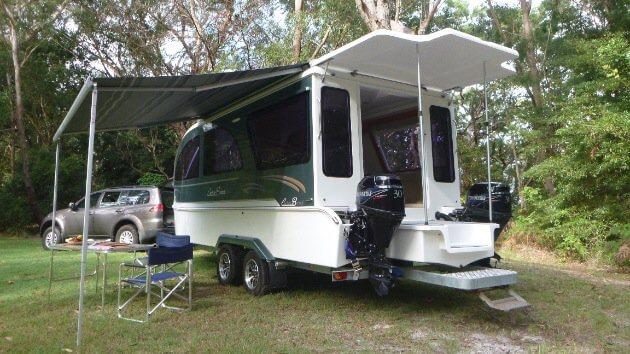 Houseboat Caraboat on trailer