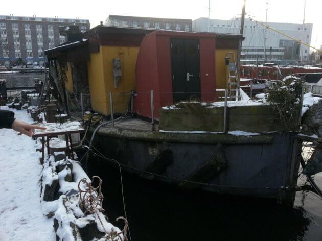 Houseboat Amsterdam renovation before