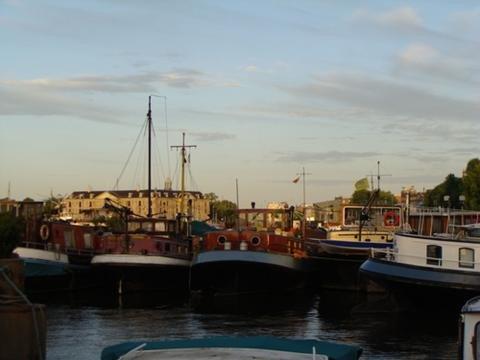 Houseboat rental Paris Peniche