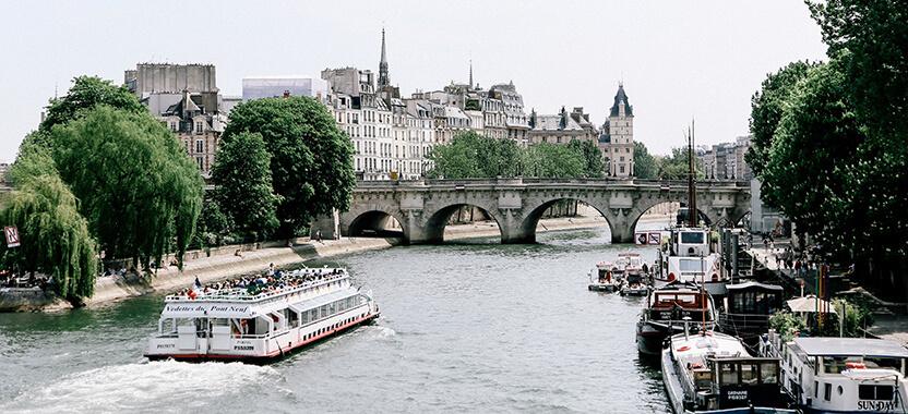 Woonboten in Parijs